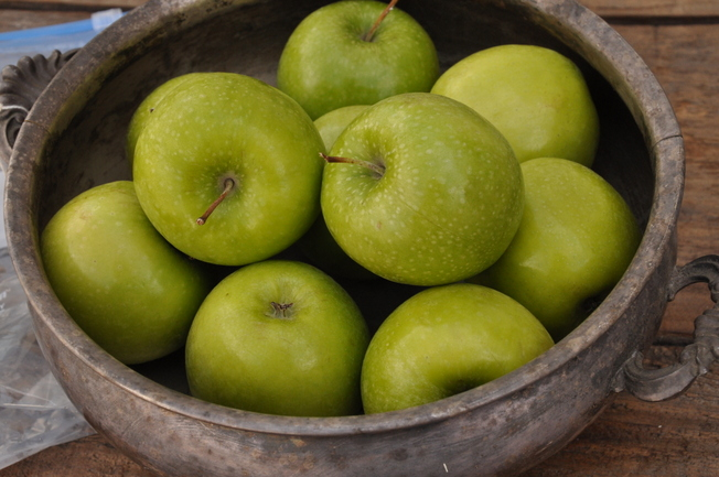 incourage green apples